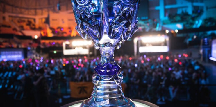 League of Legends Worlds 2022 Cup